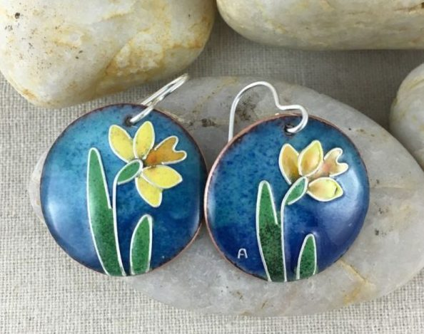 yellow-daffodil-earrings-blue-round