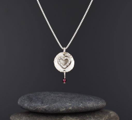 Silver Heart Circle Garnet Bead Necklace